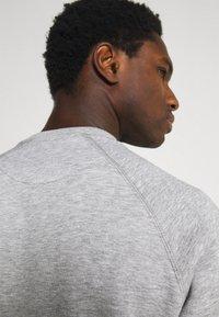 Pier One - 3 PACK - Sweatshirt - bordeaux/black/grey - 6