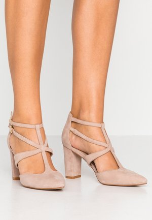 LEATHER PUMPS - Classic heels - nude