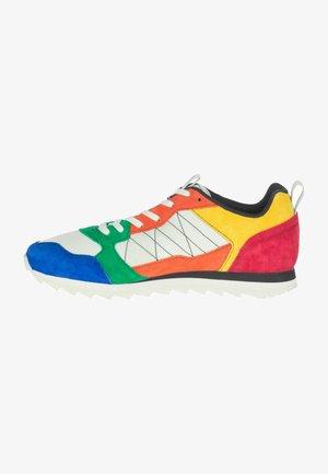 ALPINE - Walking shoes - red