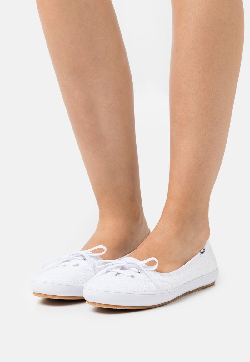 Keds - TEACUP EYELET - Trainers - white