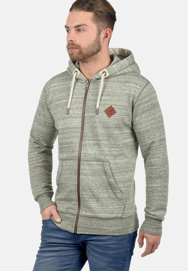KAPUZENSWEATJACKE CRAIG - Sweater met rits - ivy green