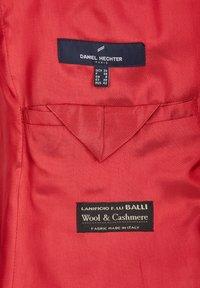 Daniel Hechter - Short coat - red - 4