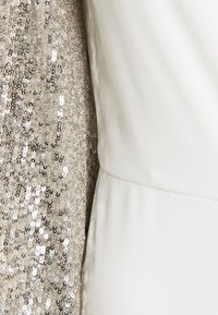 Adrianna Papell - SEQUIN UNCREPE JUMPSUIT - Jumpsuit - silver stroke ivory - 2