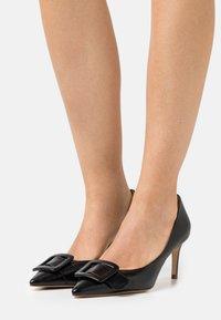 Billi Bi - Classic heels - black - 0
