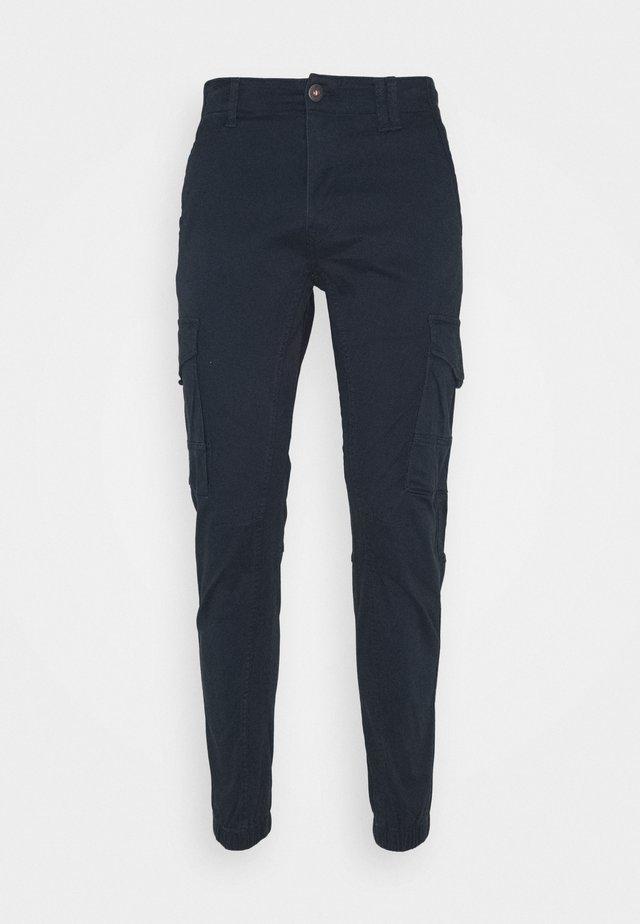 JJIPAUL JJFLAKE  - Pantalon cargo - navy blazer