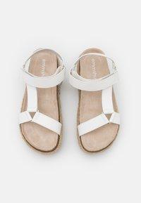 Emmshu - KYRA - Korkeakorkoiset sandaalit - white - 5