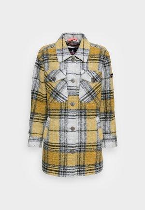 SKYLAR - Classic coat - yellow cab
