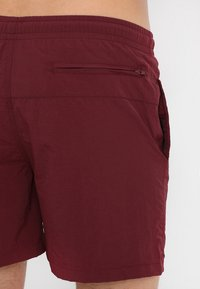 Urban Classics - BLOCK - Swimming shorts - cherry - 2