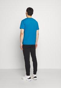 Bricktown - LIGHTER SMALL - Print T-shirt - turquoise - 2