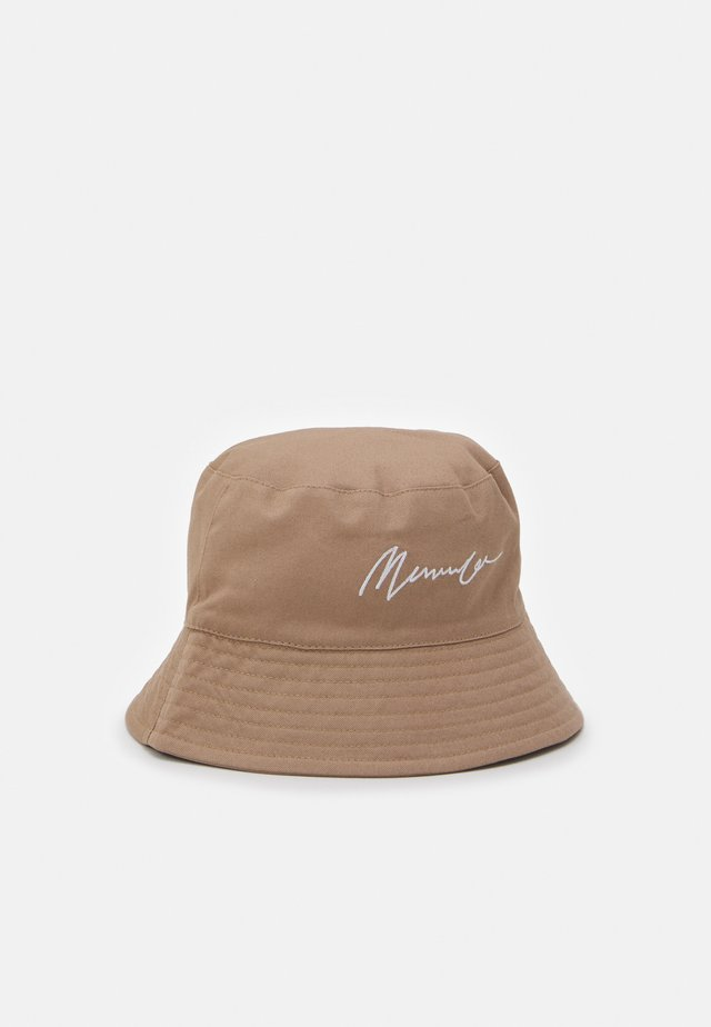 SIGNATURE BUCKET HAT SIGNATURE UNISEX - Hatt - beige