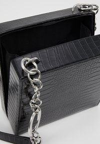Topshop - SNAKEY BOXY SHOULDER - Across body bag - black - 4