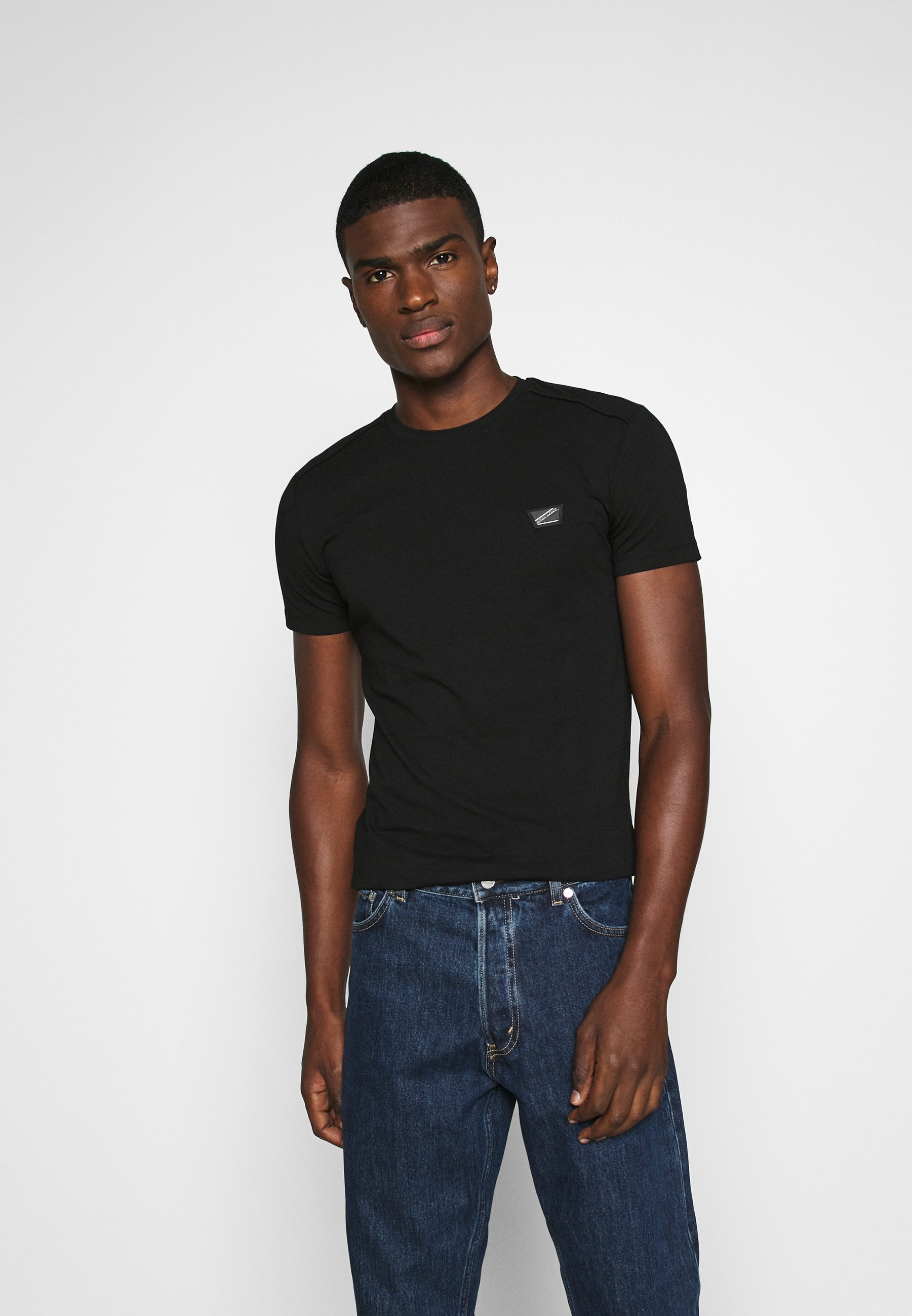 Men SUPER SLIM FIT - Basic T-shirt