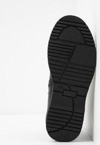 LIU JO - PAT BEATLES - Kotníkové boty - black - 5