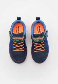 Skechers - MEGA SURGE - Tenisky - navy/orange/lime - 3