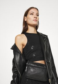 Calvin Klein Jeans - MILANO CROP TANK - Top - black - 4
