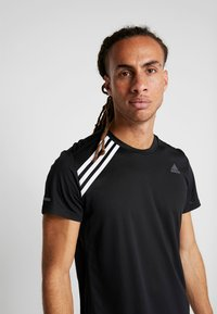 adidas Performance - OWN THE RUN TEE - Triko s potiskem - black/white - 5