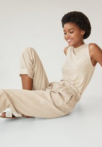 Mango - LOOSE - Relaxed fit jeans - beige - 4