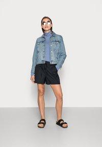 Selected Femme - LILO - Shorts - black - 1