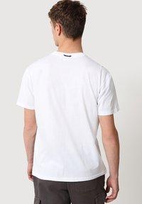 Napapijri - SULE - T-shirt print - white graphic - 2