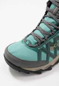 Columbia - PEAKFREAK X2 MID OUTDRY - Hiking shoes - copper ore/warm gold - 5