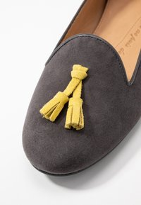 Chatelles - CLASSIC WITH TASSEL - Slip-ons - grey - 2
