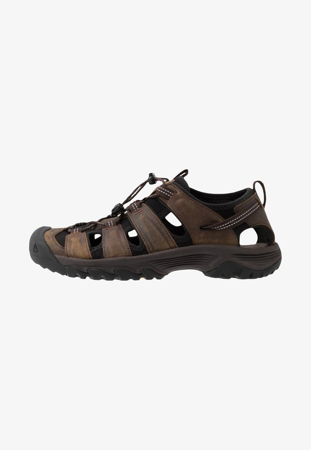 TARGHEE III - Walking sandals - mulch