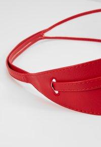 NAF NAF - SKIMONO - Waist belt - rubis - 3