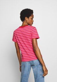 Tommy Jeans - CLASSICS STRIPE TEE - T-shirts med print - pink daisy/multi - 2