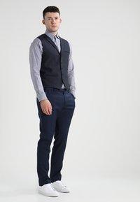 Selected Homme - SLHSLIMNEW MARK - Zakelijk overhemd - dark navy/white - 1