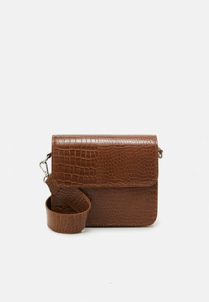 CAYMAN SHINY STRAP BAG - Skulderveske - tawny brown