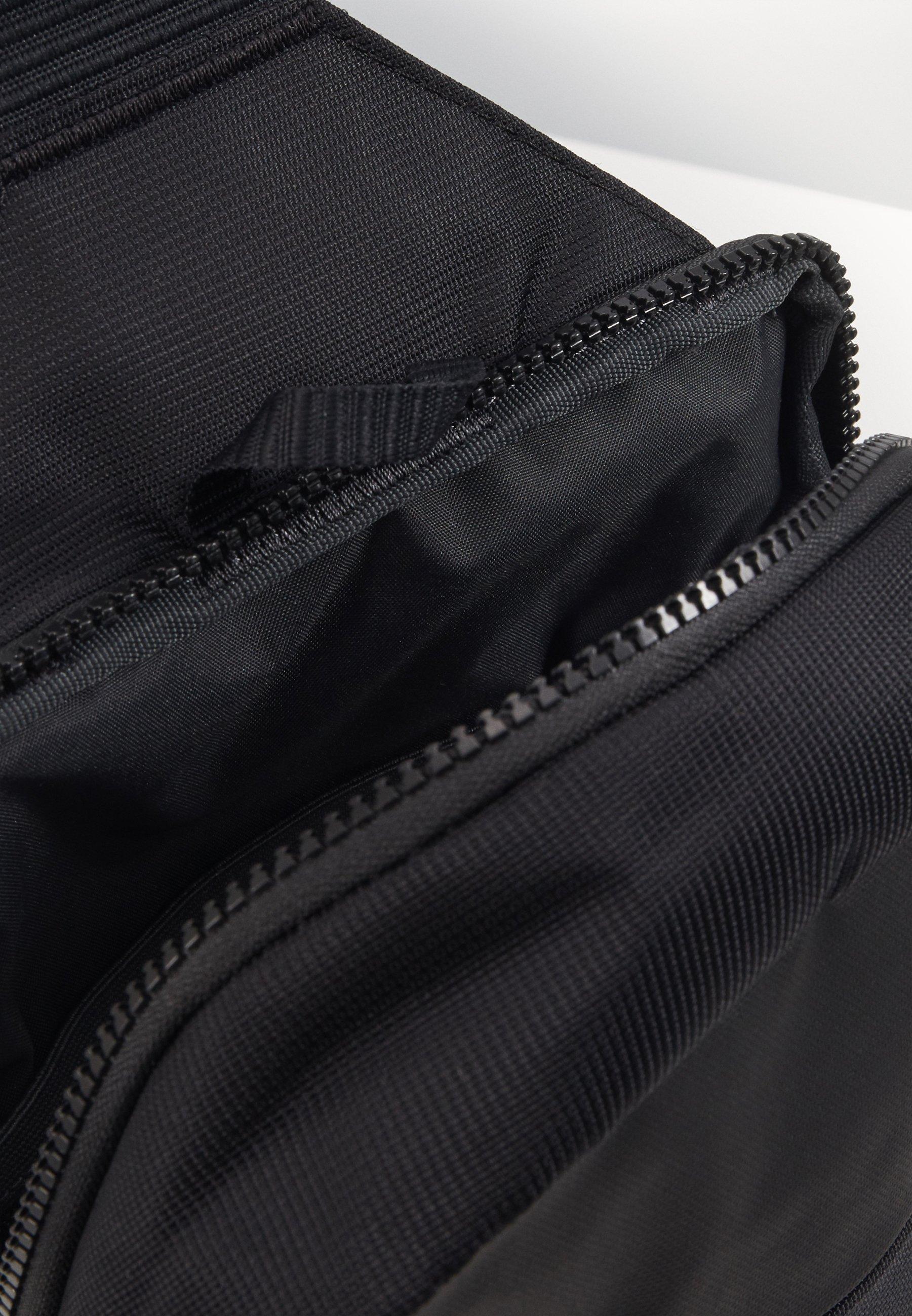 Nike Sportswear NIKE SPORTSWEAR ESSENTIALS HÜFTTASCHE - Skulderveske - black/dark smoke grey/svart 6eEZQIdOkES3sGD