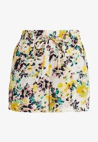 Vero Moda - MIAMI - Shorts - pristine - 3