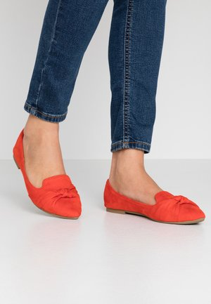 BARCELONA - Mocasines - orange