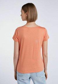 SET - T-shirt imprimé - coral gold - 2