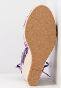 Even&Odd - Korolliset sandaalit - pink/blue - 6