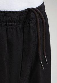 Napapijri - Shorts - black - 7