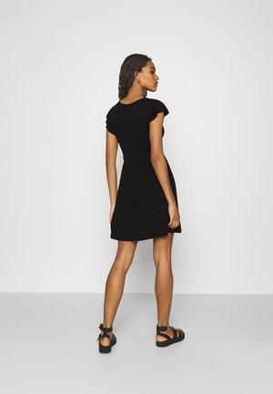 ONLBELIA DRESS - Vestido ligero - black