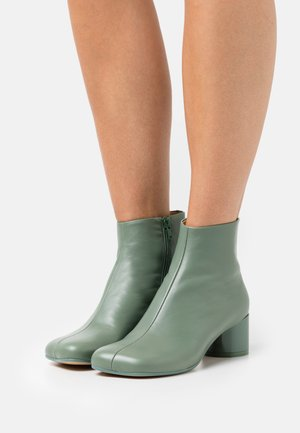 STIVALETTO - Ankle boots - sea spray