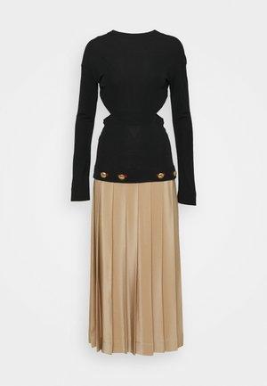 CUT OUT BACK PLEAT DRESS - Cocktail dress / Party dress - black