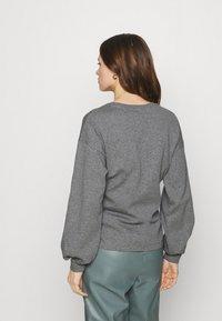 Lounge Nine - WILMA TIEBELT - Sweatshirt - dark grey melange - 2
