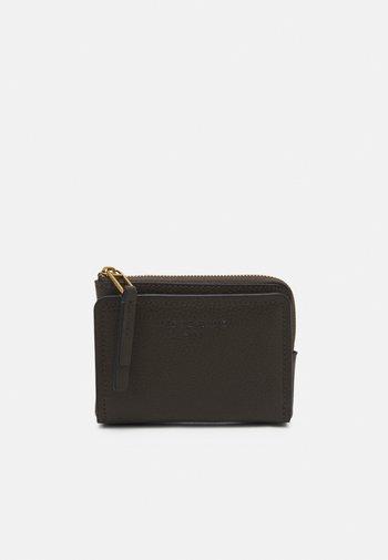 SMILLA - Wallet - nori green