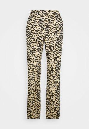 SIDE SLIT - Trousers - sand zebra