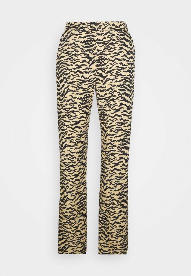 SIDE SLIT - Pantalones - sand zebra