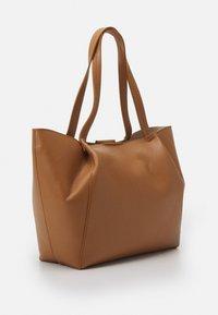 Patrizia Pepe - BORSA BAG SET - Handbag - cognac - 3