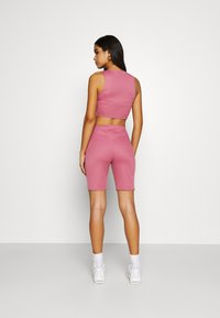 Missguided - RACER NECK CROP AND CYCLING SET - Shorts - pink - 2