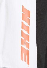 Nike Performance - DRY ENERGY  - Korte broeken - white/black - 2