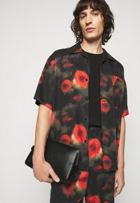 Henrik Vibskov - THE ARTIST - Shirt - black / multi-coloured - 3