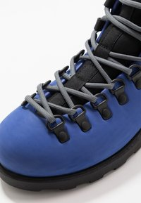 Native - FITZSIMMONS  - Lace-up ankle boots - reflex blue/jiffy black - 6