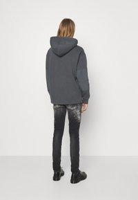 Levi's® - DRAWCORD HEM HOODIE - Sweatshirt - greys - 6