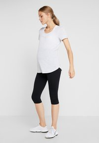 Cotton On Body - MATERNITY GYM TEE - Camiseta básica - grey marle - 1